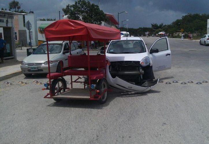 El seguro con el que cuentan los mototaxis no los beneficia en caso de registrarse algún incidente. (Octavio Martínez/SIPSE)