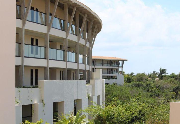 La remodelación tiene ciertos criterios que pueden dañar al ecosistema que rodea el centro de hospedaje. (Octavio Martínez/SIPSE)