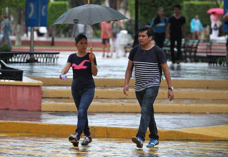 Para Yucatán se esperan lluvias fuertes por un canal de baja presión. (Notimex)