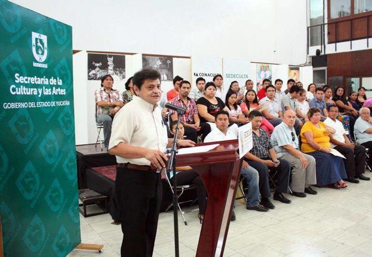 Raúl Vela, de Sedeculta, encabezó la presentación del festival. (Milenio Novedades)