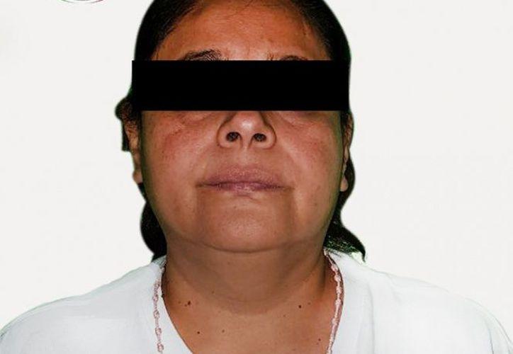 """Gabriela """"N"""", """"La Gorda"""", considerada por el gobierno federal, como la operadora y hermana de Santiago Mazari Hernández, """"El Carrete"""". (Especial)"""