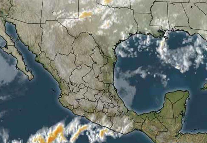 La probabilidad de precipitación es del 20%, la temperatura mínima será de 22 grados centígrados. (weather.com)