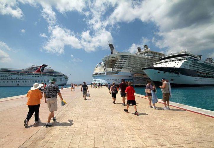 El lunes 15 atraca el crucero Disney Fantasy en Punta Langosta. (Redacción/SIPSE)