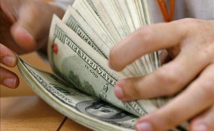 La mujer tendría en su cuenta bancaria entre esta y la próxima semana unos ocho millones 400 mil dólares libres de impuestos.(catrinao.com)