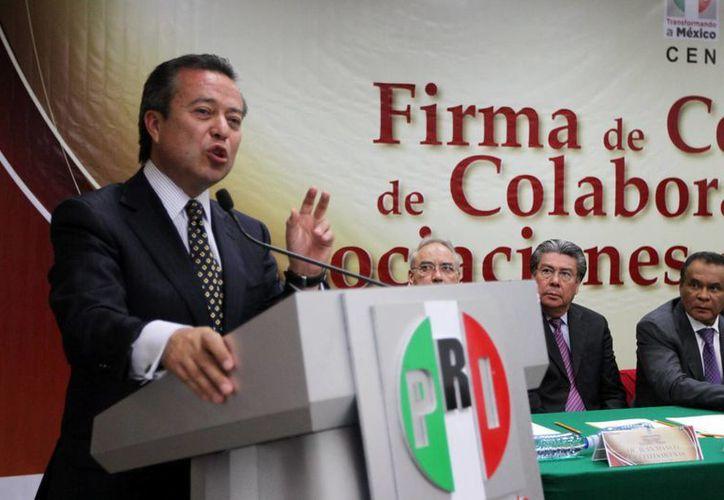 Camacho aseguró que el PRI forma a los líderes 'que se convertirán en dirigentes'. (Archivo/Notimex)