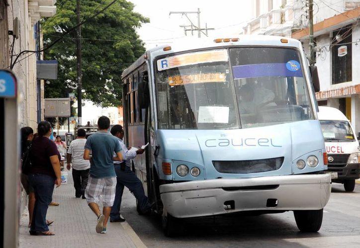 Los usuarios del transporte piden un mejor servicio. (Milenio Novedades)