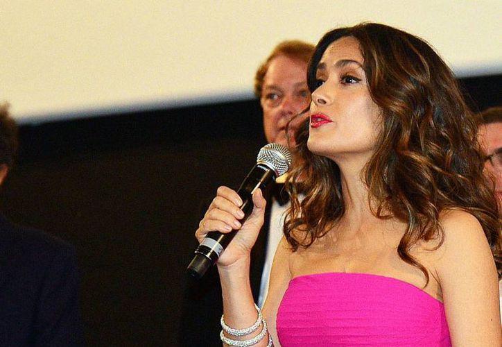 La actriz Salma Hayek presentará uno de los premios en la ceremonia de los Globos de Oro 2015. (Archivo/NTX)