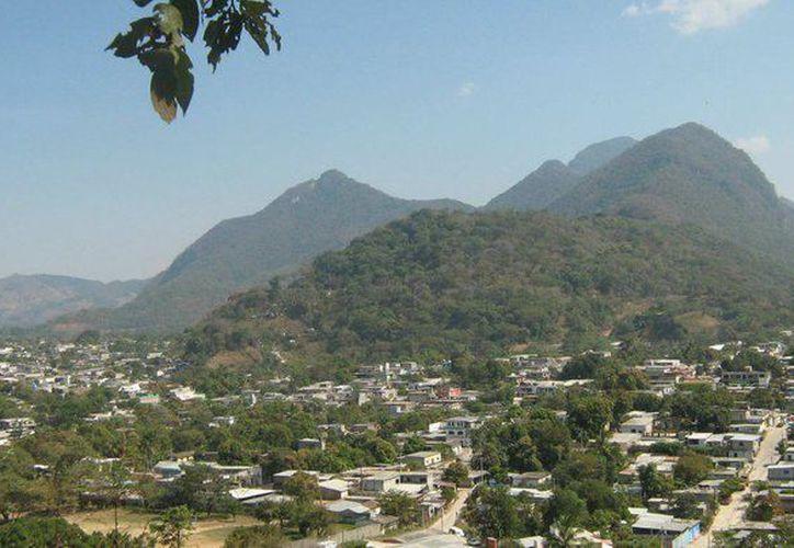 Comalapa se localiza en los límites de la Sierra Madre de Chiapas y limita con Guatemala. (Comalapa.gob.mx)