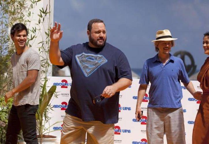 Colin Farrell, Salma Hayek, Adan Sandler, Kevin James, Taylor Lautner y Courtney Cox, figuran entre las celebridades que prefieren pasar sus vacaciones en Cancún. (Archivo/SIPSE)
