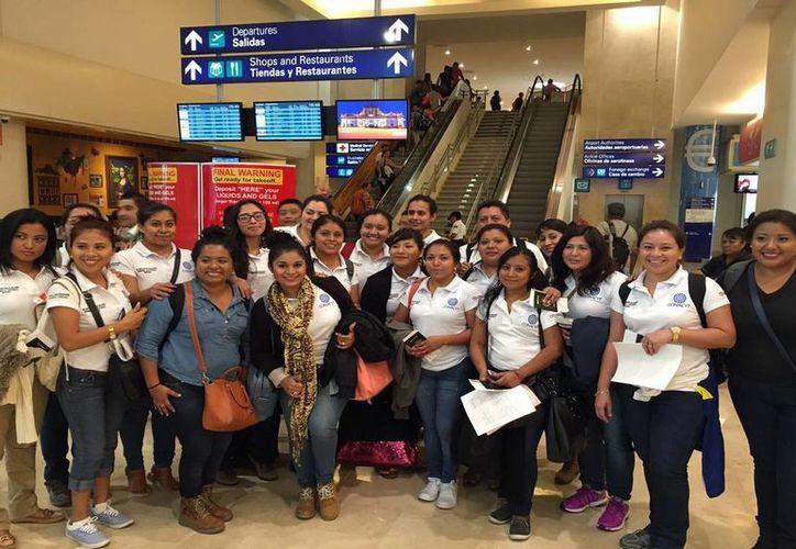 Un grupo de 25 mujeres de comunidades mayas viajó a Canadá como parte de una beca para aprender inglés. (Redacción/SIPSE)