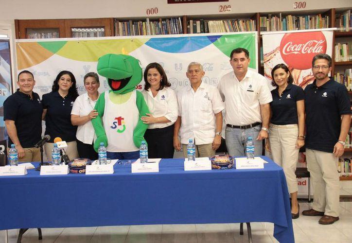 Yucatán será sede de la XII edición de los Juegos Interteresianos. En la foto, los organizadores del evento durante la presentación de la mascota  'Pepe toloc'. (Jorge Acosta/Milenio Novedades)