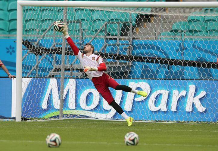 De Gea (foto) está lastimado del cuerpo, mientras que Casillas del 'alma' tras la goleada ante Holanda. (Foto: AP)