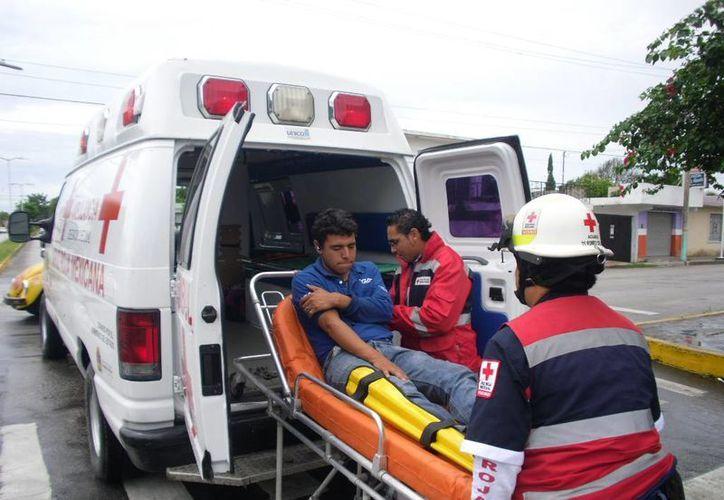 La capacitación tiene la finalidad de que los ciudadanos sepan cómo actuar ante cualquier contingencia médica. (Ángel Castilla/SIPSE)