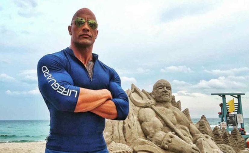 Dwayne Johnson, mejor conocido como The Rock (La Roca) es el mejor pagado, de acuerdo a Forbes. (telemundo.com)