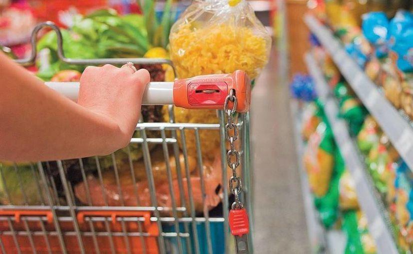 Ir al supermercado sin planearlo puede hacerte gastar en cosas innecesarias. (notebookbarato.net)