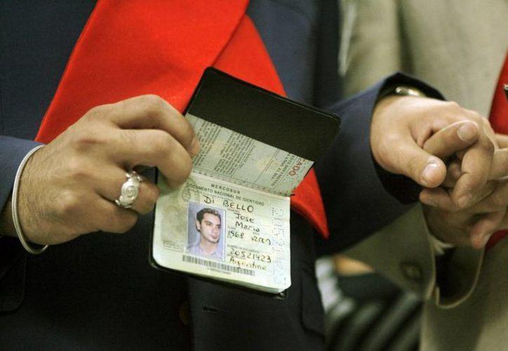 Los transexuales en Colombia podrían acceder más fácilmente al cambio de sus documentos de identidad gracias a una propuesta de dos ministros. (EFE)