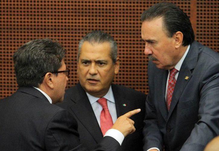Beltrones indicó que ambas cámaras acordaron permanecer en sesiones extraordinarias. (Notimex)