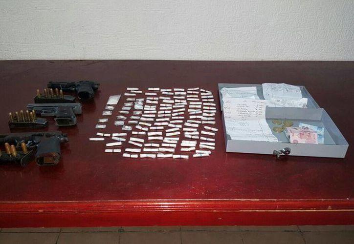 Les decomisaron armas de fuego, droga y una lista con nombres de colaboradores. (Redacción/SIPSE)