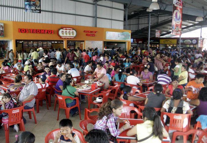 La Canirac detalló diversas promociones que llevará a cabo en la Feria Yucatán Xmatkuil para todos los comensales. (Milenio Novedades)