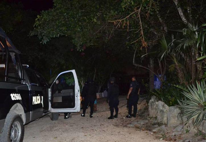Durante la madrugada del jueves tres sujetos armados sustrajeron 600 mil pesos de la caja fuerte de las instalaciones del Cenote Cristalino.  (Redacción/SIPSE)
