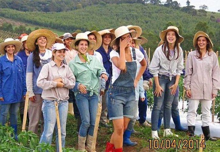 Actualmente viven más de 600 mujeres en Noiva do Cordeiro, muchas son solteras entre 20 y 35 años. (facebook.com/noivadocordeirocomunidaderural)