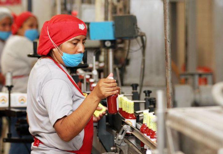 Falta de inversiones pondrá en riesgo a la planta laboral del sector maquilador. (Milenio Novedades)