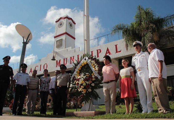 La ceremonia se realizó este sábado en el Palacio Municipal de Cozumel. (Gustavo Villegas/SIPSE)