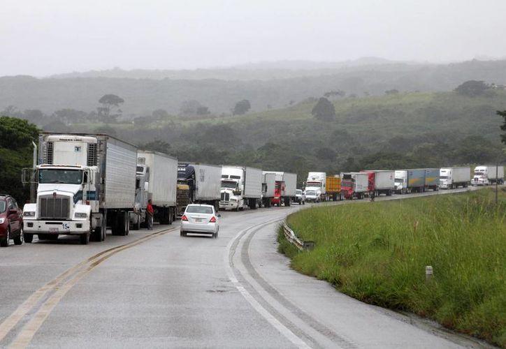 Aspecto del tramo carretero entre Tuxtla Gutiérrez, Chiapas, y Coatzacoalcos, Veracruz. (Archivo/Notimex)