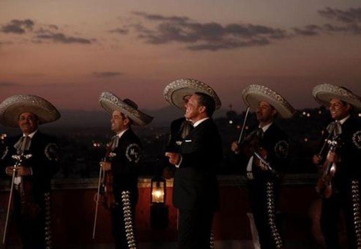 """Luis Miguel agotó cada una de las fechas que ofrecerá el próximo año como inicio de su Tour """"México por Siempre"""". (Instagram)"""