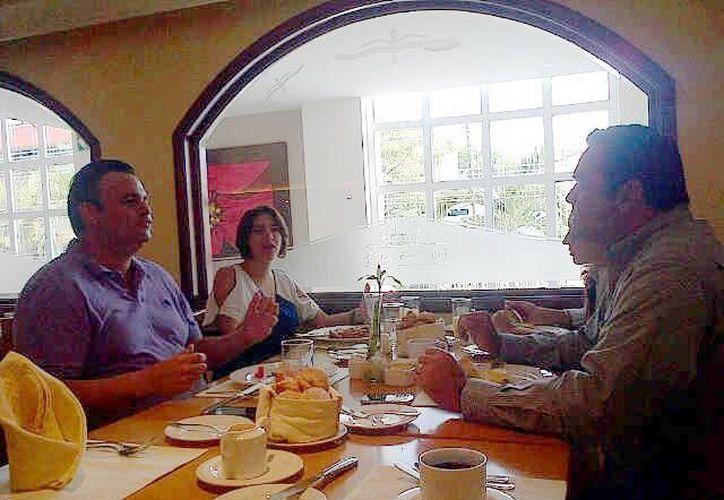 En la reunión abordaron el tema de capacitar a personal de restaurantes. (SIPSE)