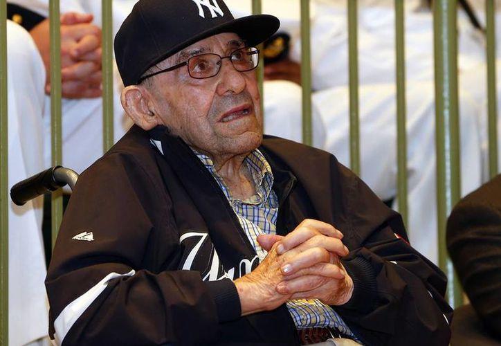 A los 89 años, Yogi Berra fue homenajeado en el museo de Nueva Jersey que lleva su nombre, en el que también se honró con la presencia de varios grupos de miembros de la Marina y veteranos de guerra la Segunda Guerra Mundial. (AP)