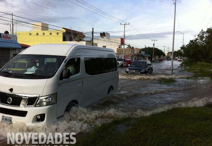 Diferentes puntos de la ciudad se vieron afectados por las lluvias. (Eva Murillo/ SIPSE)
