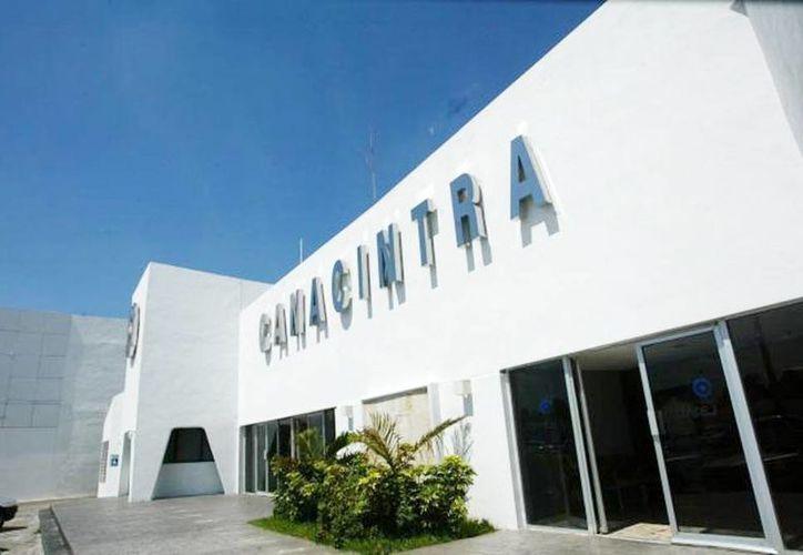 Una comisión de jóvenes empresarios de la Canacintra apoya el emprendedurismo en Yucatán. (Milenio Novedades)