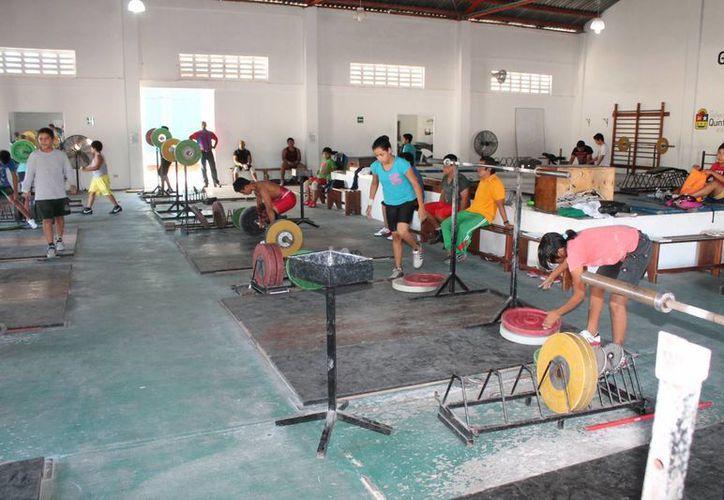 Se requiere modernizar las instalaciones deportivas. (Miguel Maldonado/SIPSE)
