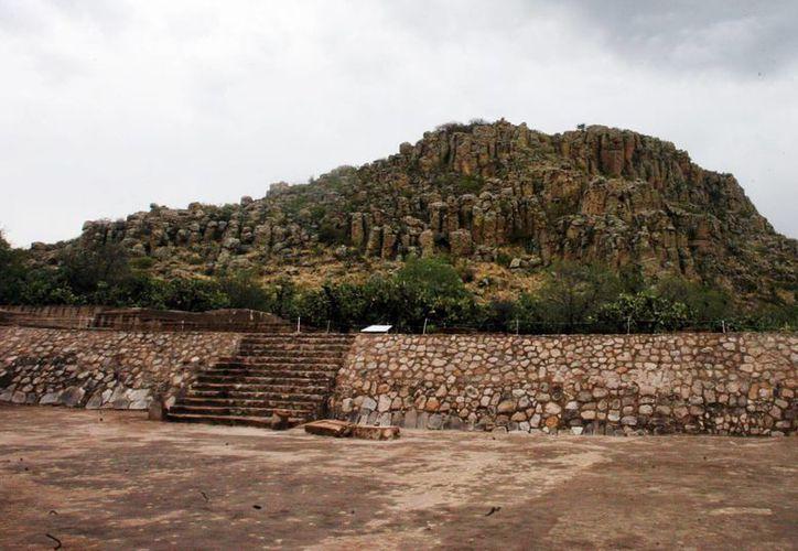 En el espacio sagrado del conjunto Cóporo se descubre un basamento piramidal y espacios residenciales. (Notimex)