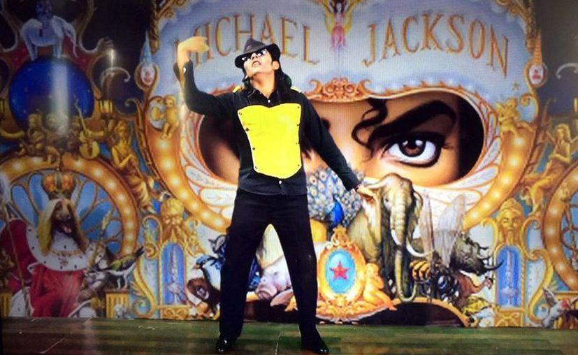 Ricardo Canto González, mejor conocido como 'Alex Jackson', se presentará hoy en el teatro del IMSS. (Milenio Novedades)