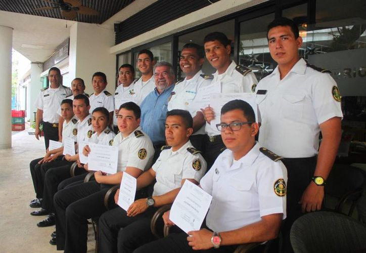 Se contó con la participación de 10 cadetes y los seis elementos de la Remafe. (Daniel Pacheco/SIPSE)