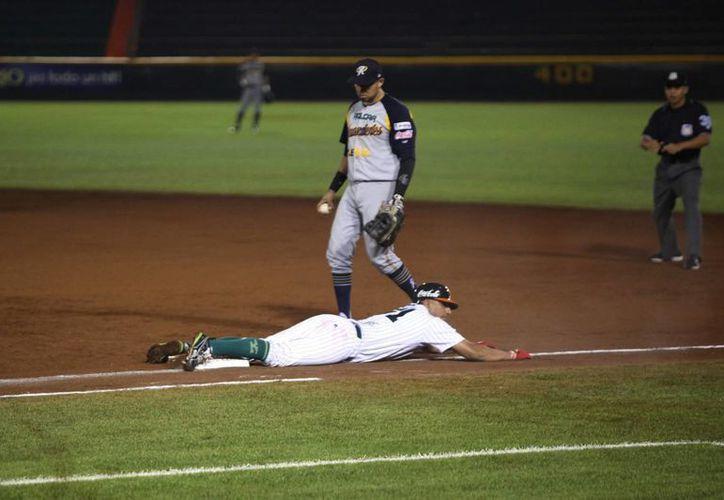 Leones de Yucatán ganó 8-3 el primero de dos juegos programados para este miércoles a Diablos Rojos. La foto corresponde a un partido contra Rieleros de Aguascalientes. (Notimex)