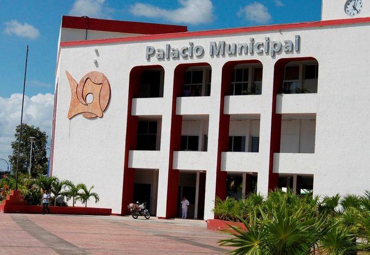 Los burócratas del Ayuntamiento de Othón P. Blanco recibirán mejoría salarial del 5% en sueldos base. (Archivo/SIPSE)