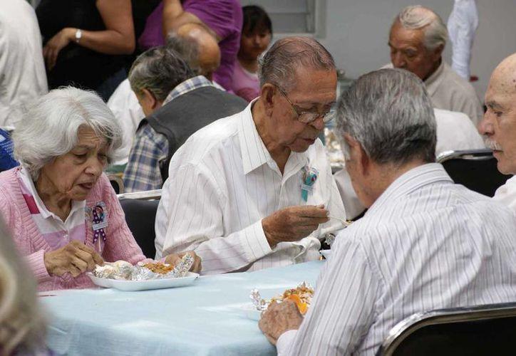 Los ahorros del SAR se entregarán a trabajadores mexicanos que no tienen una pensión ni del IMSS ni del Issste. Imagen de contexto. (Archivo/Notimex)