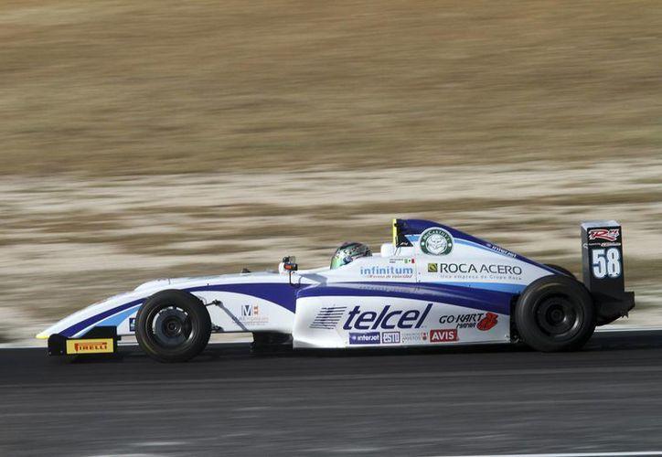 Luis Alfonso Pérez, del Telcel RPL Racing Roca Acero #58, durante un ensayo en el Gran Premio de Yucatán. (SIPSE)