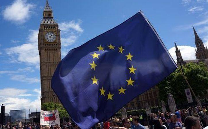 La Comisión Europea anunció que está dispuesto a ayudar en el proceso. (Notimex)