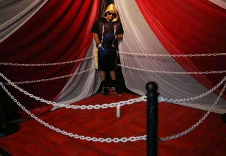 El increíble caso del boxeador que fue velado parado y con su uniforme de pugilista. (Jorge Moreno/SIPSE)