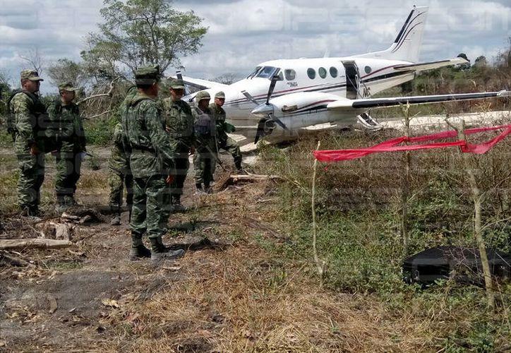 Militares realizaron un recorrido en el lugar del hallazgo, en un pueblo de Bacalar. (Foto: Redacción/SIPSE)