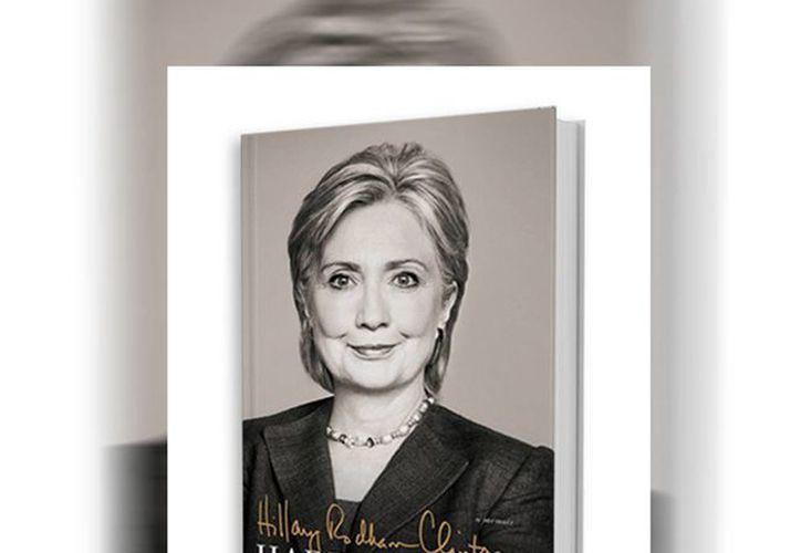 """De acuerdo a la editorial, """"'Hard Choices' es el relato de Hillary Rodham Clinton, sus decisiones y los desafíos que enfrentó durante sus cuatro años como la 67 Secretaria de Estado"""". (Facebook/Simon & Schuster)"""