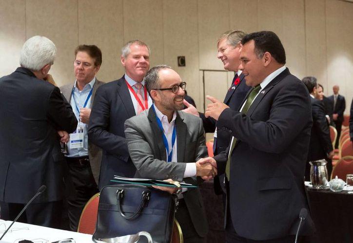 Rolando Zapata Bello participó ayer en el último día de trabajo en la Cumbre de Gobernadores y Premieres de América del Norte en EU. (Milenio Novedades)