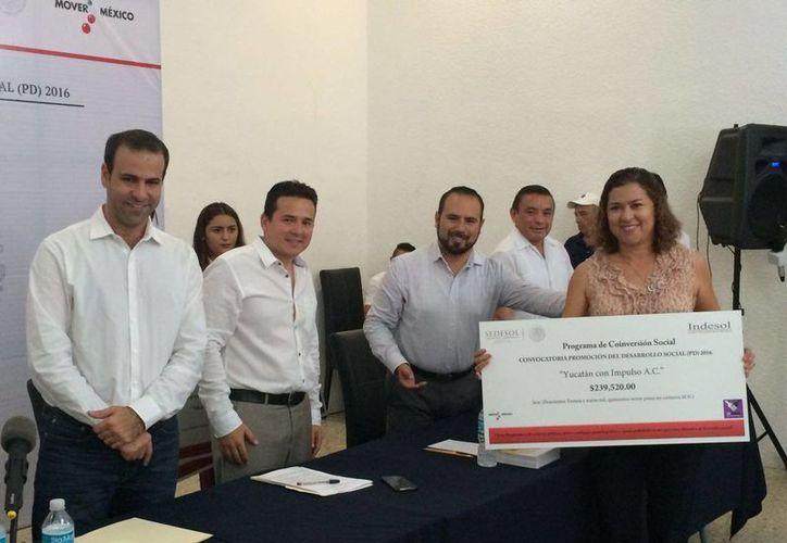 La delegación de Sedesol Yucatán informó que aplican auditorías para verificar que los recursos otorgados a las asociaciones civiles se apliquen en los proyectos sociales establecidos. (Milenio Novedades)