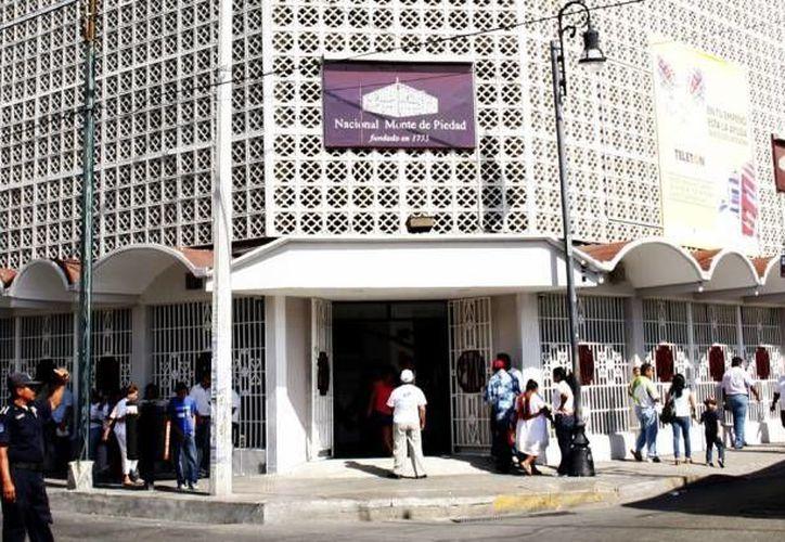 Nacional Monte de Piedad, a través de la realización de una feria de emprendedores en Coparmex, refrenda su compromiso de ayudar a quien lo necesite. (SIPSE)
