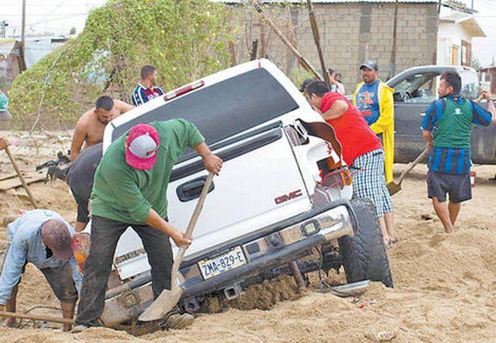 Ocurrió un deslave en la comunidad de El Llano, municipio de Metlatónoc, que solo provocó el colapso de una vivienda. (Milenio)