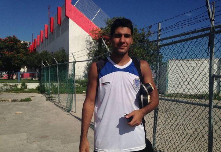 Yamil Sarsa, ex jugador del Godoy Cruz de Argentina intentará aportar su talento en la cancha. (Francisco Gálvez/SIPSE)